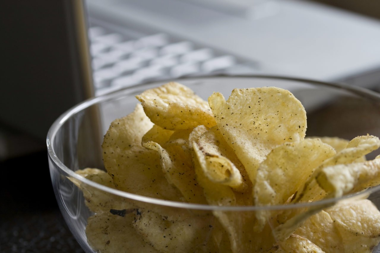 Computer use gives junk food cravings